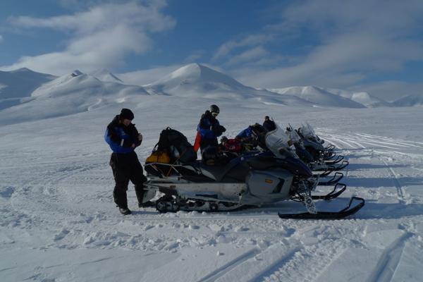 Fieldwork on Svalbard - searching for volcanic rock during winter. People: Sverre and Ellen Planke, Stephane Polteau and Ivar Midtkandal.